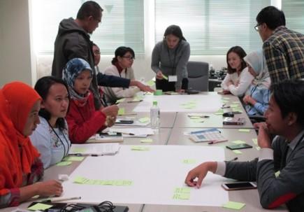 インドネシアからの訪問学生との合同ワークショップ